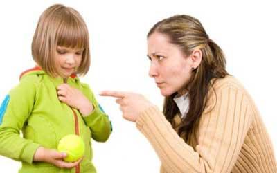 عوارض دعوا کردن کودک,داد زدن سر فرزند