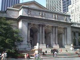 نمای ورودی کتابخانه عمومی شهر نیویورک