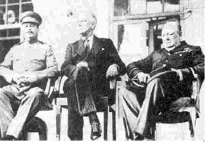 چرچيل، روزولت و استالين در حاشيه جلسات نشست 1943 تهران
