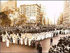 راهپيمايي سال 1915 زنان آمريكايي در نيويورك