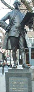 مجسمه ویلکس در لندن