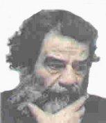 صدام اندکی پس از دستگیر شدن در یک زیرزمینی در مزرعه