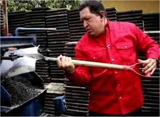 هوگو چاوز فولگس واگن قراضه اش را مي راند