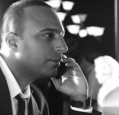 زندگی نامه آرش خواننده,عکس آرش خواننده وهمسرش
