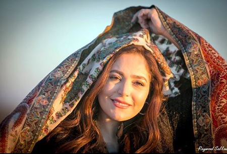 عبير نعمه خواننده همراه شجریان, خواننده زن لبنانی