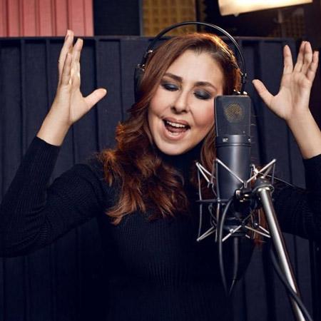 نیلوفر یوملو ,نیلوفر یوملو خواننده,نیلوفر یوملو خواننده ترکیه ای
