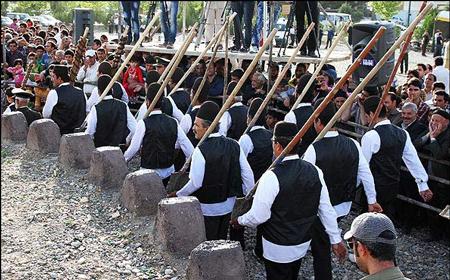 مراسم بیلگردانی, آداب و رسوم محلی