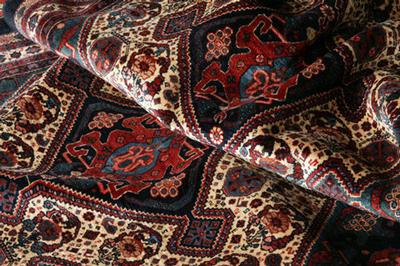 طرح های فرش همدان, رنگ بندی فرش همدان
