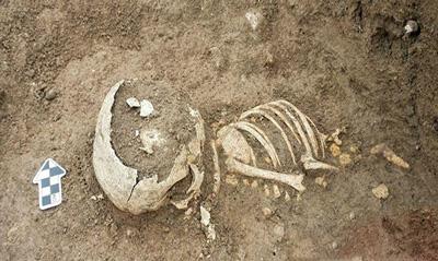 استودانهای سنگی کازرون, تدفين اموات در آيين زرتشتي