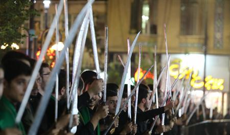 مراسم سنتی مشق شمشیر, آداب و رسوم مردم قم در محرم