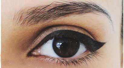 آموزش تصویری آرایش چشم گربه ای مخصوص روز و شب