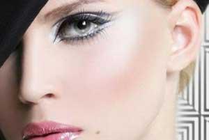 آرایش طبیعی,ریمل زدن  چشم ها,طریقه درست ریمل زدن