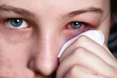 لوازم آرایش,آرایش چشم,محصولات آرایشی چشمی آلوده