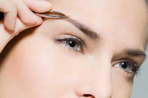 ar4 4702 - علت ریزش موی ابرو و راه درمان آن