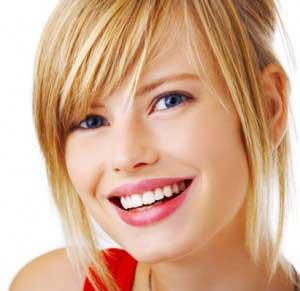 تکنیک های آرایشی برای سفیدتر نشان دادن دندان ها