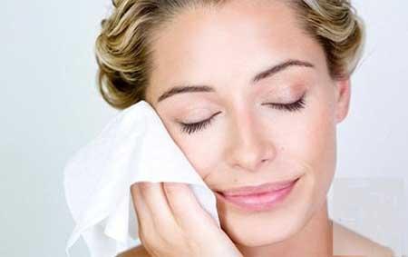 روش صحیح خشک کردن صورت