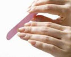 دخترانی که دستهایی زیبا می خواهند
