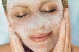 بهترین پاک کنندۀ پوست را می شناسید؟