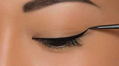 نحوه کشیدن خط چشم
