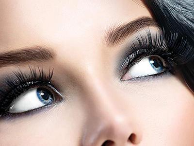 چطور مثل حرفه ای ها چشمها را آرایش تیره کنیم؟