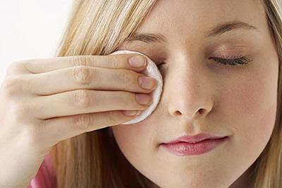 بهترین پاک کننده های طبیعی آرایش را بشناسید