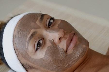 طرز تهیه ماسک خاک رس, ماسک خاک رس و گلاب, ماسک خاک رس برای منافذ باز پوست