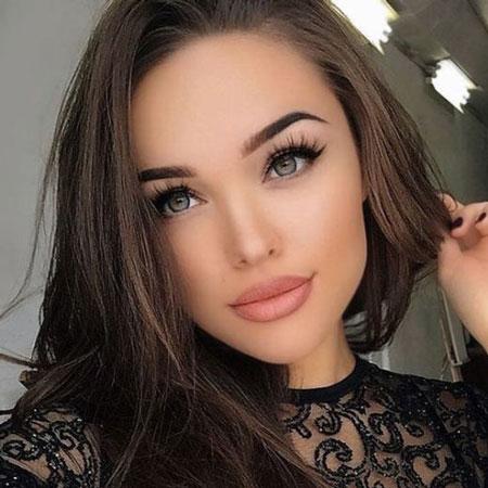 آرایش روزانه چگونه باید باشد؟ ( به همراه تصویر)
