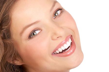 خط خنده,از بین بردن خط خنده,بهترین راه حل درمان خط خنده