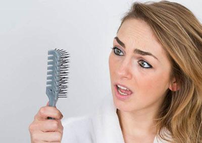 ریزش مو خانومها