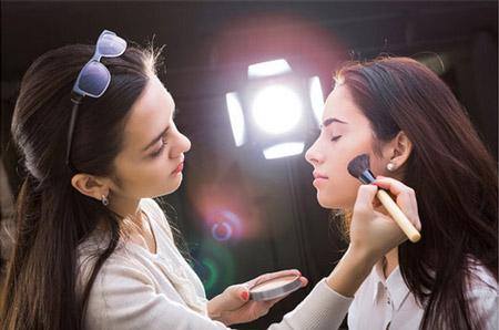 ماکیاژ ,آموزش ماکیاژ ,ماکیاژ آرایش به چه معنی و چگونه است