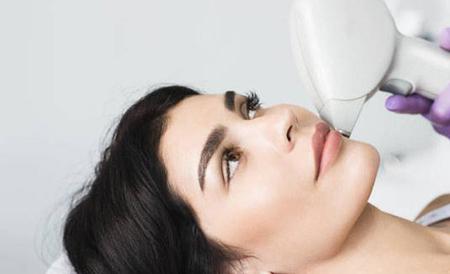 اثرلیزر بر پوست,اثر درمانی لیزر بر پوست , لیزردرمانی