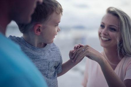 رفتار با کودک مضطرب,نحوه ي رفتار با کودک مضطرب,کودک استرسي
