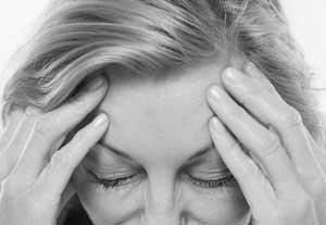 ۶ علت سردردهای بارداری