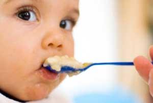 تغذیه کودک,غذا دادن به کودک,غذا خوردن کودک