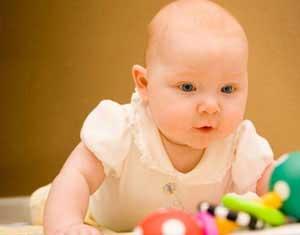 رفتار های طبیعی یک نوزاد