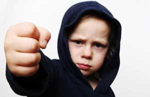 رفتارکودکان, کودک لجباز, برخورد با کودک لجباز