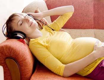 به کمر خوابيدن در دوران بارداري