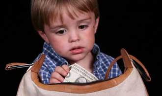 دزدی کودکان,دزدیهای کودکانه,علت دزدی کودکان,چرا کودکان و نوجوانان دزدی می کنند