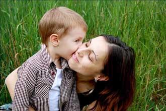پنج روش کلیدی برای برای ارتباط مؤثر میان مادر و فرزند پسر