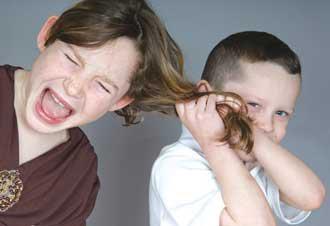کتک کاری,کتک کاری در کودکان,دعوای کودکان,دعوا کردن کودک