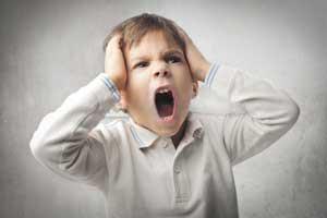 کودک لجباز,لجبازی در کودکان,رفتار با کودک لجباز