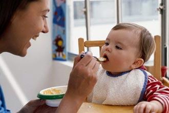 تغذیه نوزادان و کودکان