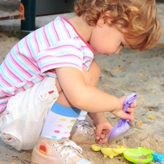 ریخت و پاش به کودکان چه می آموزد