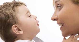 به کودکتان کمک کنید تا زودتر زبان باز کند