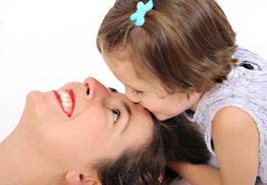 ابراز علاقه به کودکان,محبت به به کودکان