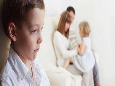 مقایسه کردن کودک,مضرات مقایسه کودکان با هم