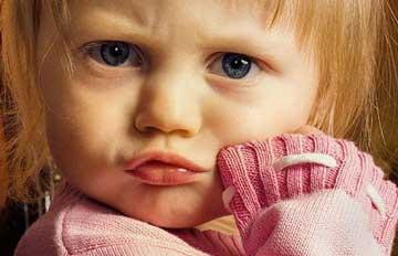 لوس شدن کودکان,پیشگیری از  لوس شدن کودکان,کودک لوس,برخورد با کودک لوس
