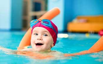 شنا کردن کودک,آموزش شنا به کودکان