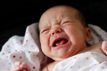 علت گره نوزاد,گریه کردن نوزاد