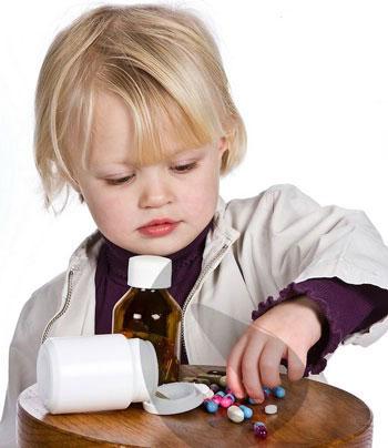 اقدامات درمانی به هنگام مسمومیت کودک